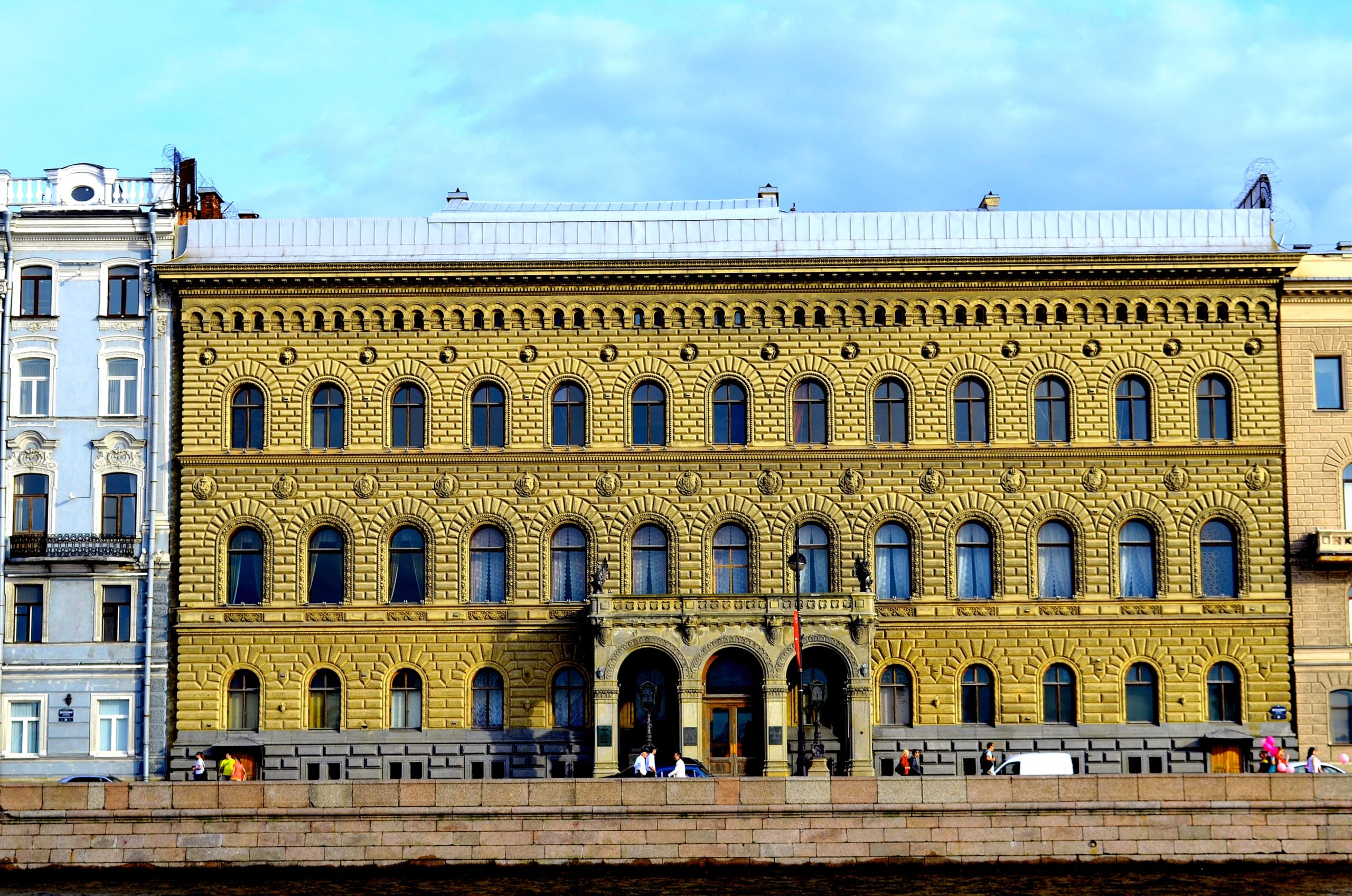 dvorec velikogo knyazya vladimira aleksandrovicha