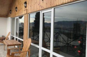 gde ostanovitsya v tbilisi turistu oteli hostely airbnb spisok po rajonam